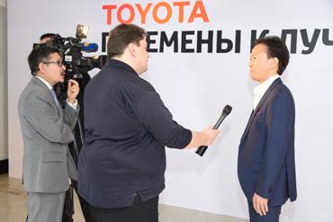 Эцуо Хасино на пресс конференции Перемены к лучшему, 2016 г